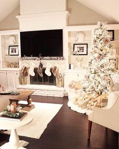 Cottage Life - Home decorations for Christmas - Christmas decorations living room