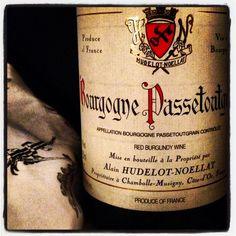 A lovely under $20 FR Pinot Noir! Brite cherry, dusty rose petal, sage & thyme notes, yum!! Alain Hudelot-Noellat Bourgogne Passetoutgrain