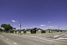 South Street West Motel Feilding Situated in Feilding, this 4 star motel offers modern self-contained accommodation situated next door to Manfeild Events Centre. The property is 5 minutes' walk from local shops, restaurants, and parks.