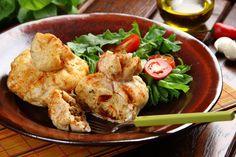 Zobacz, jak przygotować sprawdzony przepis na Sakiewki z kurczaka z kaszą jaglaną i pomidorami. Wydrukuj lub pobierz PDF z przepisem.