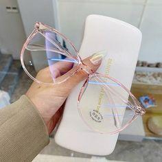Glasses Frames Trendy, Clear Glasses Frames Women, Transparent Glasses Frames, Trending Glasses Frames, Glasses Trends, Lunette Style, Mode Kawaii, Computer Glasses, Fashion Eye Glasses