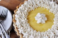 Old-Fashioned Banana Cream Pie @Kendra Nelson (next thanksgiving??)
