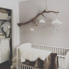 On continue avec la decoration des baby room  magnifique , chambre teinte neutre  #live #love #instagood #instamood #bois #wood #vintage #scandinave #babyroom #baby #babygirl #babygirl #interior #interieur #love #bebe #chambrebebe #ladecodecharline #picsoftheday #nature