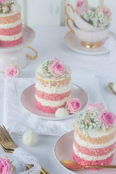 Pink coco tarts & new favorite dishes * Cupcake cakes, cake, tea cakes Pink coco tarts & new favorite dishes * We . Tea Cakes, Mini Cakes, Cupcake Cakes, Mini Wedding Cakes, Pretty Cakes, Beautiful Cakes, Bolos Naked Cake, Petit Cake, Cake Recipes