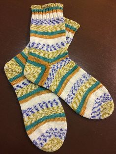 Ravelry: Two At A Time Socks for Beginners pattern by Trish Campbell