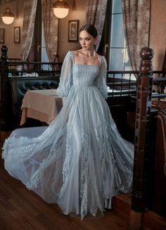 Designer Evening Gowns, Ball Gowns Evening, Designer Gowns, Evening Dresses, Elegant Dresses, Pretty Dresses, Beautiful Dresses, Ball Dresses, Prom Dresses