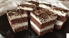 Check out an amazing new recipe for this absolutely delicious Oreo Poke Cake! If you have a serious sweet tooth, then this recipe is perfect for you! Oreo Poke Cakes, Poke Cake Recipes, Dessert Recipes, Best Chocolate, Chocolate Recipes, Food Cakes, Cupcake Cakes, Cupcakes, Vegetarian Chocolate Cake