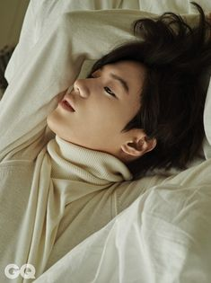 SHINee Tae Min - GQ Magazine December Issue '14~~~Again.... So pretty it hurts. (In the best way possible.)