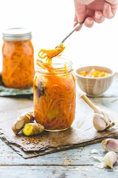 Creative Halloween Costumes - The Best Way To Be Artistic Over A Budget Ginger Pickled Carrots Cookbook Giveaway Canning Fall Pickled Carrots, Pickled Ginger, Pickled Vegetables Recipe, Canned Carrots, Canning Recipes, Easy Canning, Canning Tips, Fermented Foods, Kefir