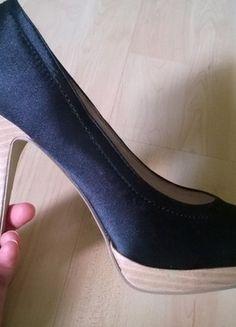 Kaufe meinen Artikel bei #Kleiderkreisel http://www.kleiderkreisel.de/damenschuhe/hohe-schuhe/112220878-schwarze-pumps-jumex-grosse-40
