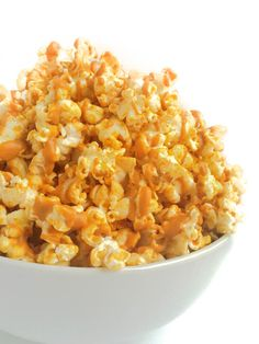 Peanut Butter Popcorn Recipe - The Lemon Bowl® A sweet and salty snack you will be making again and again - nothing is more crowd-pleasing or delicious than peanut butter drizzled popcorn. Healthy Popcorn, Best Popcorn, Popcorn Recipes, Snack Recipes, Cooking Recipes, Toffee Popcorn, Air Popped Popcorn, Cooking Ideas, Yummy Snacks