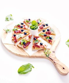 pizza de rúcula e tOmate seco