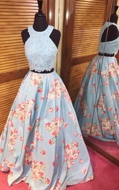 Formal Prom Dresses, Applique Floral Printed Beaed Two Piece Prom Dress Flowers A Line Full Length Sexy Pageant Evening Gown Whether you prefer short prom dresses, long prom gowns, or high-low dresses for prom, find your ideal prom dress for 2020 Floral Prom Dresses, Prom Dresses Two Piece, Cute Prom Dresses, Grad Dresses, Dance Dresses, Pretty Dresses, Homecoming Dresses, Beautiful Dresses, Dress Prom