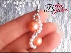 Wavy pearl earings