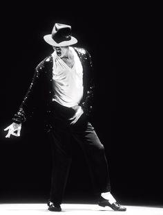 Michael Jackson: Ζει και βασιλεύει!