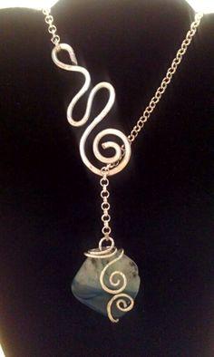 Collier ciondolo agata blu e wire alluminio color argento