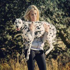 Voi e Loro  Mamma sono stanco portami in braccio! Foto di @leticia.30 . . #perros #dog #pet# dalmata #dalmatians #cane #dalmatianspotlight #dogoftheday #petscorner #dogsdaily #dogsgram #spottydog #instanaturefriends #dogstagram #doggies #keepcalmandlovedalmatians #dalsofinstagram #summer #sumertime #bausocial #dalmatiansofinstagram #dogstagramlife #petscorner #girl #blonde #dalmatians_of_instagram #topdogphoto #natureaddict