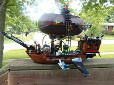 Someone made the Aethership Vagabond out of Legos.