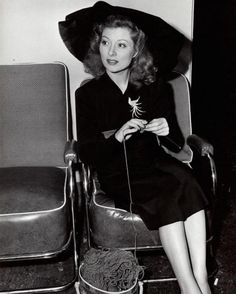 Greer Garson...a knitter?  Who knew!
