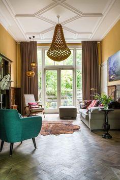 Binnenkijken bij een kleurrijk en stijlvol huis in Amsterdam - Roomed   roomed.nl