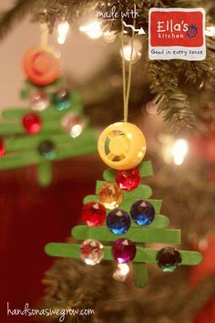 An easy ornament to make with the kids are these craft stick Christmas tree ornaments. Fun to decorate and pretty to see on the Christmas tree! Stick Christmas Tree, Homemade Christmas Cards, Preschool Christmas, Christmas Crafts For Kids, Christmas Activities, Diy Christmas Ornaments, Simple Christmas, Kids Christmas, Holiday Crafts