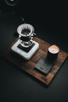 Now that it's so easy to stop at Starbucks and buy the perfect cup, few people are motivated to attempt brewing coffee in their own home. Great Coffee, Coffee Art, Coffee Shop, Coffee Cups, Coffee Lovers, Hot Coffee, Coffee Tasting, Coffee Drinks, Coffee Break
