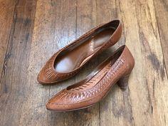 Vintage Woven Brown Kitten Heels | Boho Woven Leather Heel | Vintage Brown Heel | Almond Toe Heels | Bohemian Style Heels | 80/90s Heels by VintageBobbieMaude on Etsy