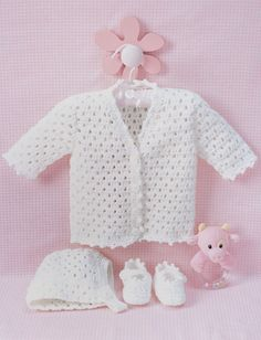Crochet Baby Girl Lacey Crochet Set Free Pattern - These baby set crochet patterns are so cute! If I had all the time in the world I would make every one. These baby sets are perfect for a baby shower gift! Cardigan Au Crochet, Crochet Baby Sweaters, Crochet Baby Clothes, Baby Blanket Crochet, Baby Knitting, Cardigan Pattern, Free Knitting, Booties Crochet, Crochet Baby Cardigan Free Pattern