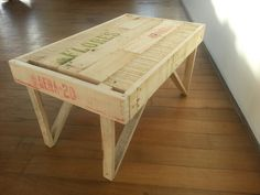 mesita hecha con madera de cajon de verduras_wayraymar