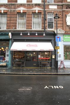 Clive's Midtown Diner London