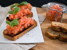 Bruchetta - oikeasti helppo alkuruoka #aitoaarkiruokaa