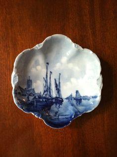 Antique Rosenthal Delft Versailles Bowl Blue And White China, Love Blue, Blue China, Delft, White Dishes, Tea Art, Glazes For Pottery, White Decor, Something Blue
