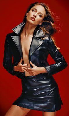 Karmen Pedaru by David Roemer for Vogue Mexico November 2015 7 Pvc Fashion, Grey Fashion, Suit Fashion, Leather Fashion, Look Fashion, Fashion Models, Karmen Pedaru, Leder Boots, Vogue