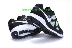 For your eyes only fashion Only Fashion, Fashion Bags, Fashion Looks, For Your Eyes Only, Nike Zoom, Shoes Outlet, Running Shoes, Sneakers Nike, My Love