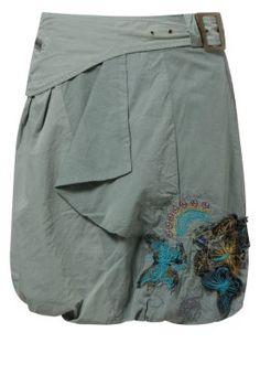 bd05f0557c0aed Desigual - PERLA - Pallohame - oliivi My Wardrobe
