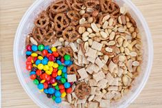 trail mix monkey munch - going to make this for the drive-in movie