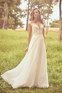66077 Hippy Chic, Boho Chic, Lillian West Wedding Gowns, Bustier Court, Plus Size Bridal Dresses, Queen Anne Neckline, Boho Wedding Dress, Boho Gown, Lace Wedding