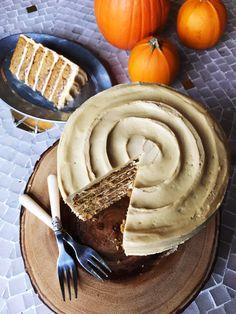 Molasses Cream Cheese Frosting on Pumpkin Cake.  Ermagerd.