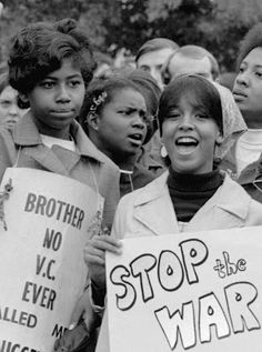 March 26th 1969, Women Strike for Peace held a large anti-war protest in Washington, DC. #FirstAmendment