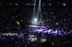 Wow this picture is amazing! One Direction at the O2 in London. TMH Tour 2013 Day1: 2-23-13 <3