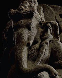 Ganapati Kapalasana. Java 9th century.