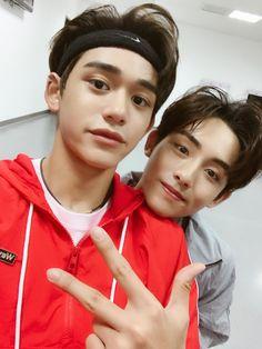 WayV Lucas and Winwin Taeyong, Jaehyun, Nct 127, Nct Winwin, Lucas Nct, Yang Yang, Shinee, Kpop, Grupo Nct