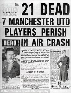 Manchester United legend Sir Bobby Charlton celebrates 60 years since making his first . Manchester United Legends, Manchester United Football, Newspaper Front Pages, Old Newspaper, Munich Air Disaster, Bobby Charlton, Premier League Champions, Newspaper Headlines, Sad Day