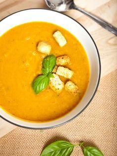 Recette de Velouté basique aux carottes, courgettes et poireaux