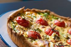 Simple, elle ravira petits et grands, cette quiche chèvre et tomates-cerises :) => http://ow.ly/NNso303WqUt