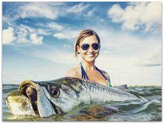 Girl in bikini fishing fille bikini poisson florida for Florida gulf coast fishing charters