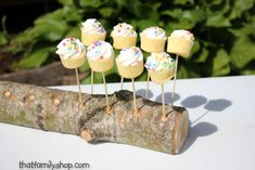 This beautiful handmade cake-pop (or lollipop) holder features 18 holes. Very solid and heavy, made from unfinished Aspen. ~~Cake pops not included! Cake Pop Displays, Cake Stand Display, Cake Pop Stands, Bridal Shower Rustic, Rustic Wedding, Wedding Ideas, Fairy Cake Pops, Cake Pop Halter, 18th Cake