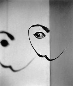 Philippe Halsman et Salvador Dali Land Art, L'art Salvador Dali, Philippe Halsman, Creation Art, Eye Art, Magnum Photos, Art Object, Art Plastique, Installation Art