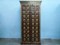 For Sale Sheesham wood brass fitted almirah for more information please visit http://usedfurnitures.in/product/solid-wood-brass-almirah-2052 or www.usedfurnitures.in or Call 8826755599 Visit our Store B-39, Sector-65, Noida or Plot No 110, Phase 6, Udhyog Vihar Near Hero Honda Chowk sector-37, Gurugram