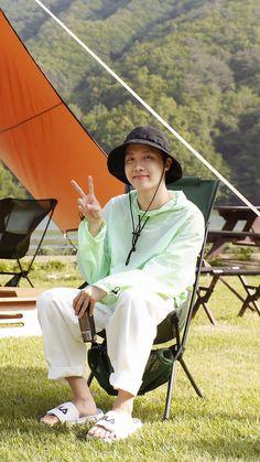 Jung Hoseok, Gwangju, Foto Bts, Bts Boys, Bts Bangtan Boy, Mixtape, J Hope Tumblr, Jhope Cute, J Hope Dance